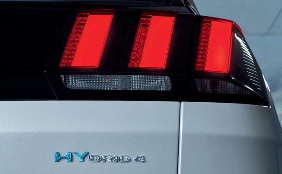 PEUGEOT-SUV-3008-HYBRID4-Sportmodus