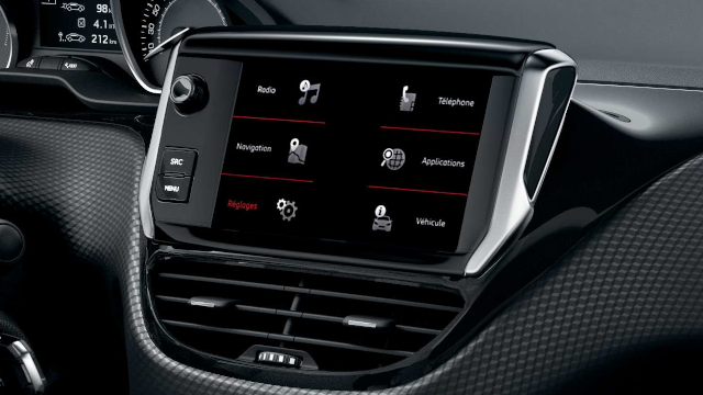 PEUGEOT-208-Touchscreen
