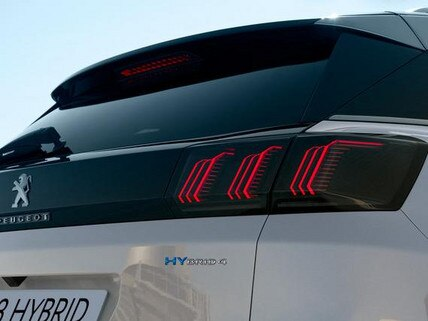 Neuer Plug-In Hybrid PEUGEOT 3008 HYBRID – Emblem HYBRID4