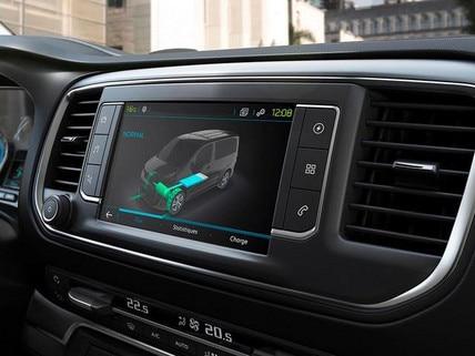 PEUGEOT e-Traveller – 3D-Touchscreen