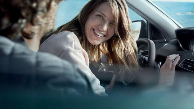 PEUGEOT-5008-Family-SUV-Fahrerlebnis