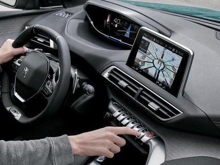 PEUGEOT 5008 SUV 3D-Navigationssystem