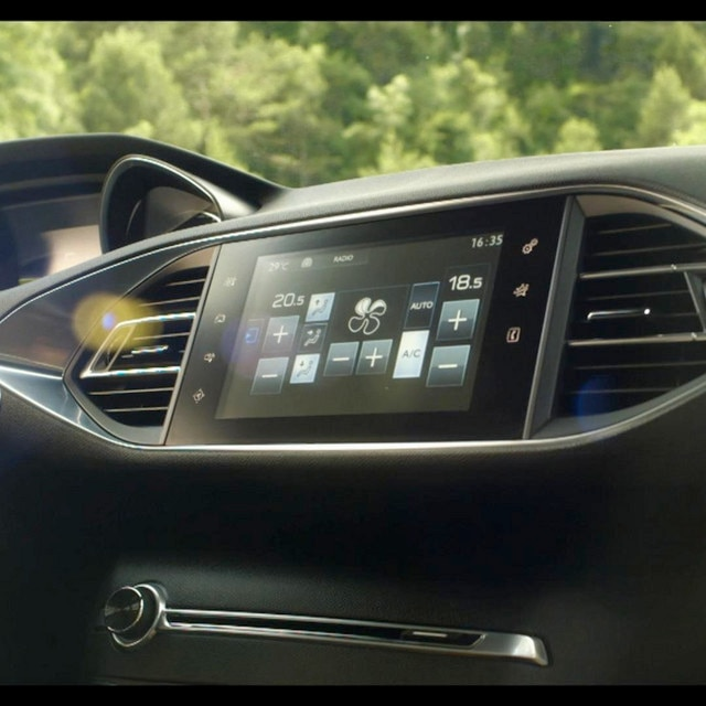 /image/46/4/ecran-tactile-peugeot-nouvelle-308-video-full.46464.jpg