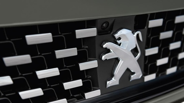 Neuer-Kombi-PEUGEOT-508-SW-First-Edition-Kuehlergrill-mit-Logo