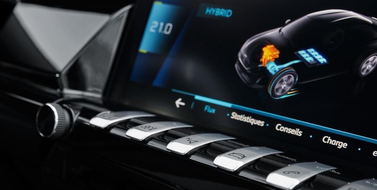 PEUGEOT-Plug-In-Hybrid-Fahrerlebnis