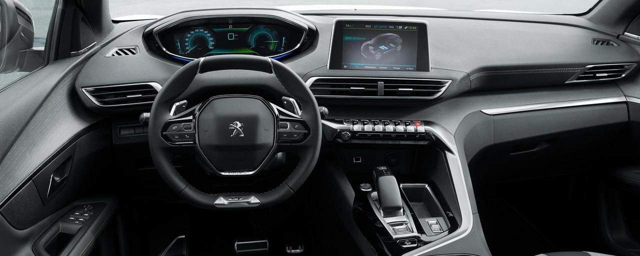 PEUGEOT-Plug-In-Hybrid-Fahrerlebnis-i-Cockpit
