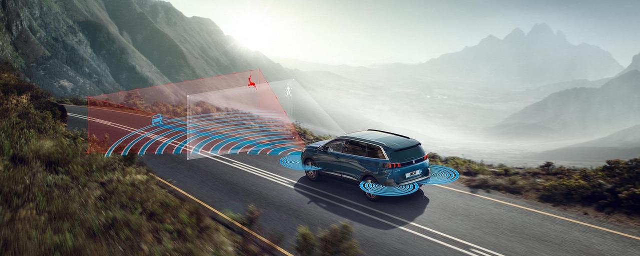 Neuer SUV PEUGEOT 5008 – Innovative Technologien
