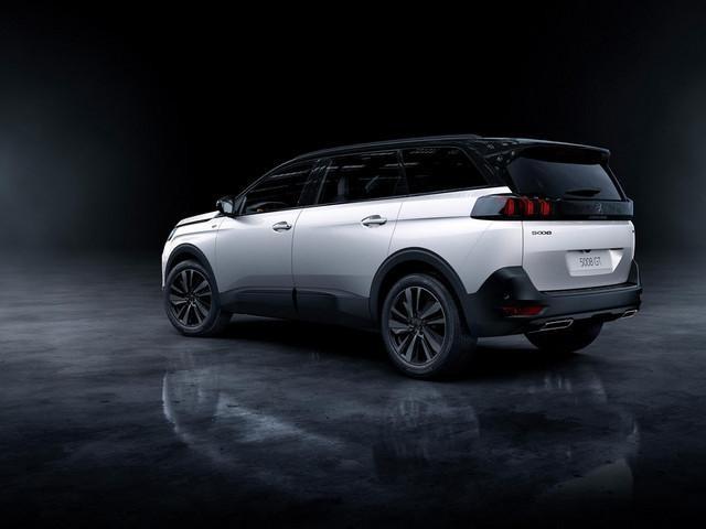 Neuer grosser SUV PEUGEOT 5008 – Black Pack-Option – Heckansicht